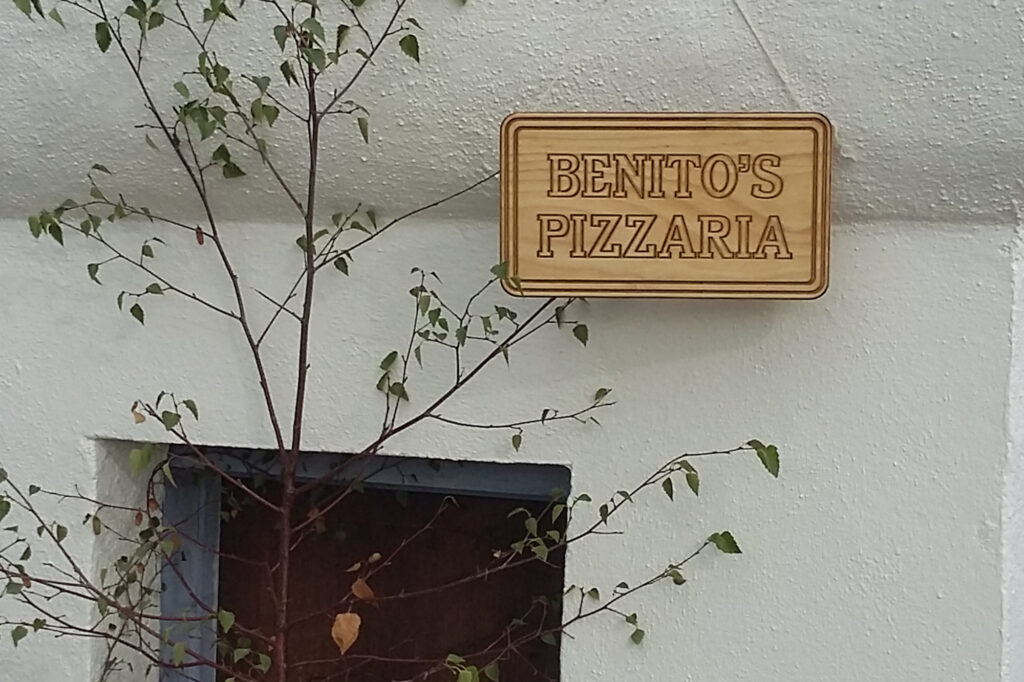 Sign for Benito's Pizzaria